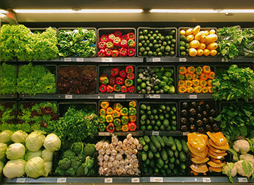 Display of vegetables in a supermarket
